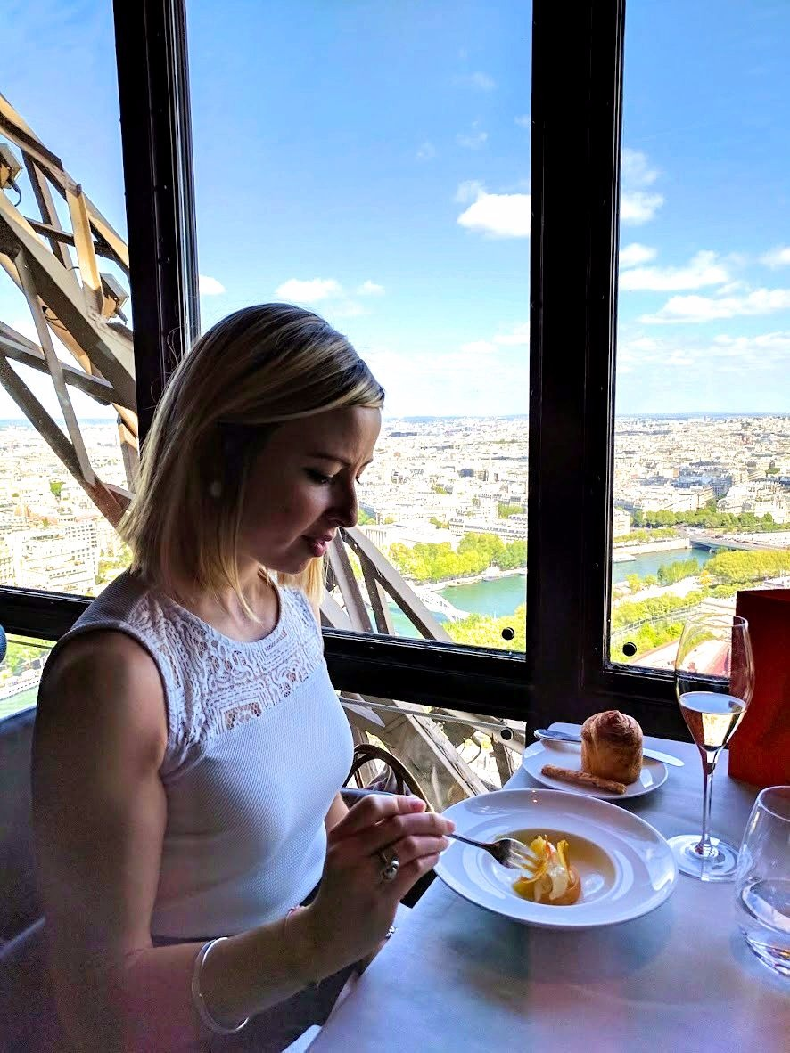 Perched Above The Observation Deck Of The Tower, About 410 Feet Above  Ground, It Offers Unparalleled Views Of The City From The Most Viewed  Landmark In ...