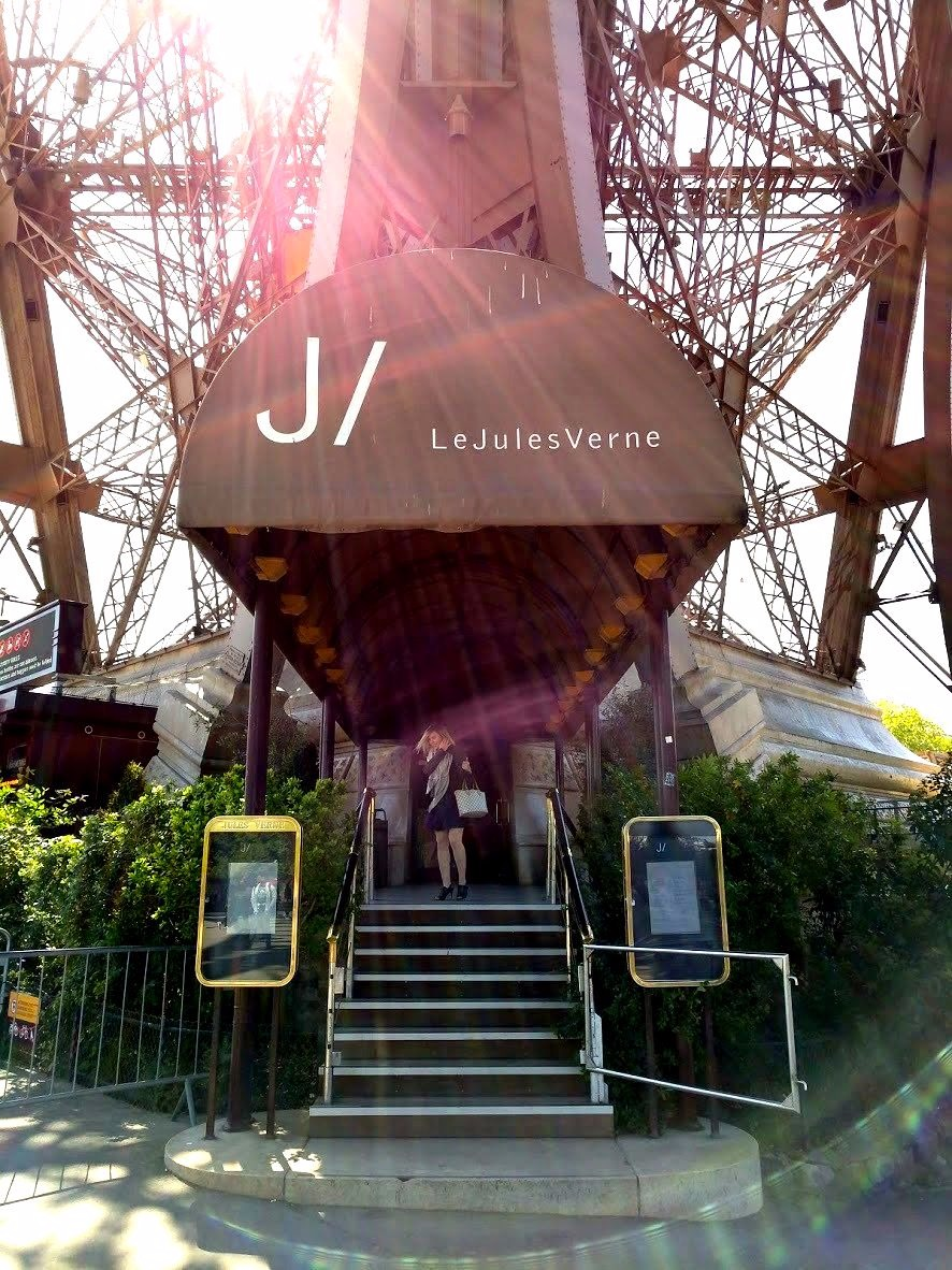 Dining In The Eiffel Tower Le Jules Verne Restaurant Amble Pearl